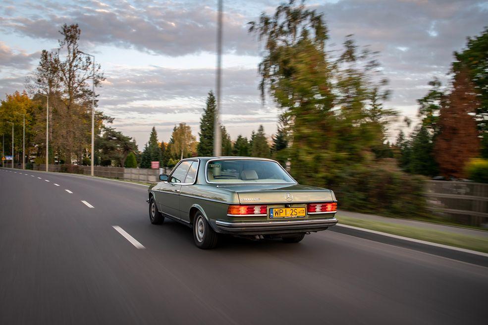 Mercedes wyprodukował blisko 2,7 mln sztuk W123, ale wersji coupe powstało niespełna 100 tys. sztuk