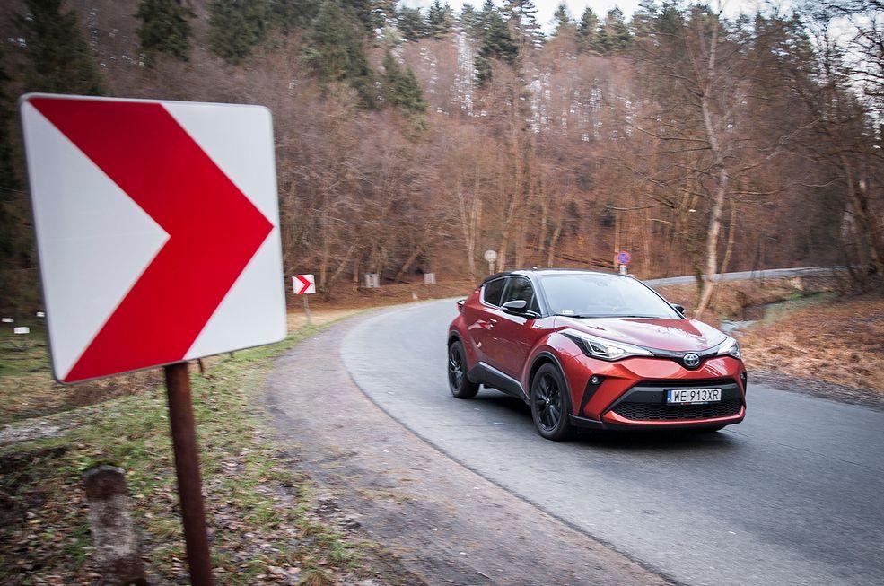 Toyota C-HR 2.0 Hybrid Dynamic Force (2020) (fot. Mateusz Żuchowski)