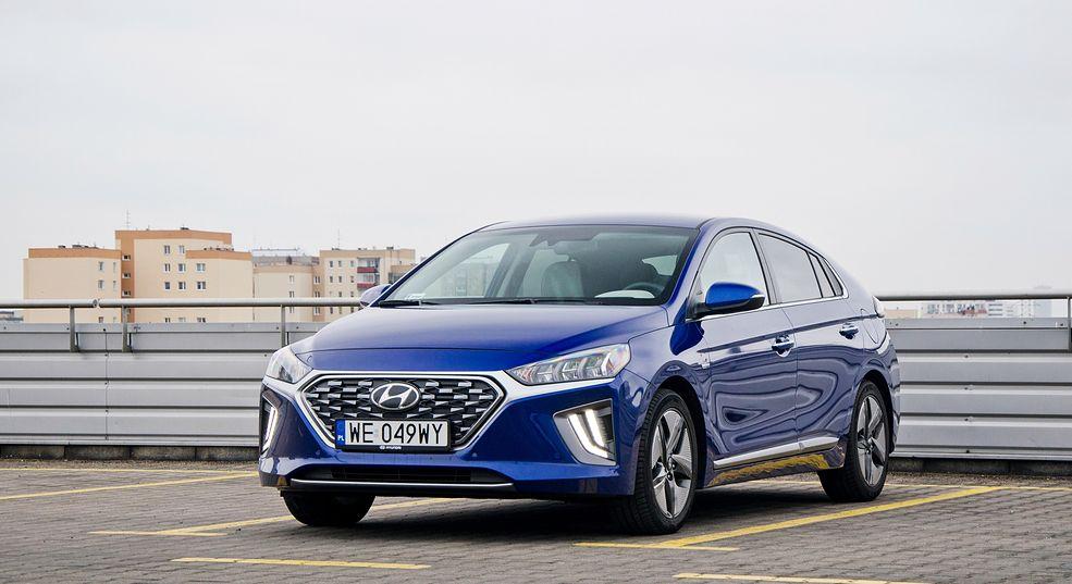 Hyundai Ioniq w 2019 r. przeszedł lifting, który na zewnątrz nie zmienił wiele.