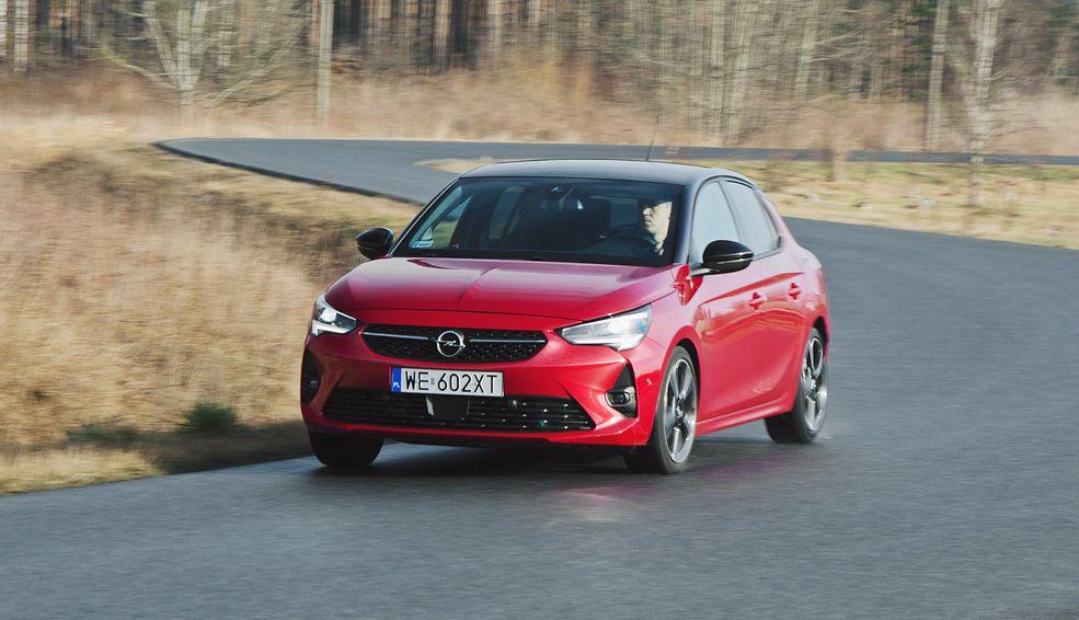 Opel Corsa zapewnia świetne właściwości jezdne, a wersja GS Line jest kierowana do entuzjastów szybkiej jazdy.