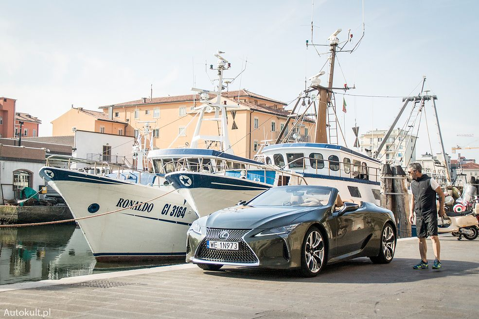 Lexus LC500 Convertible (2021)