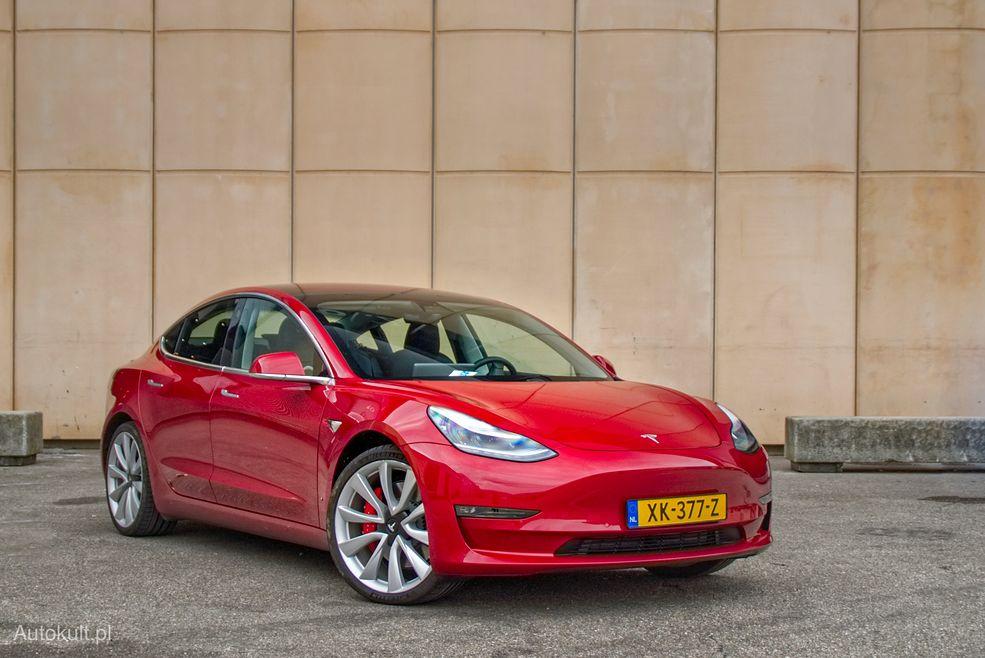 Tesla Model 3 nie ma przełomowego wyglądu, ale jest ładna