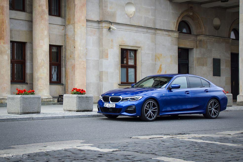 BMW 330i wygląda niepozornie, ale potrafi zaskoczyć