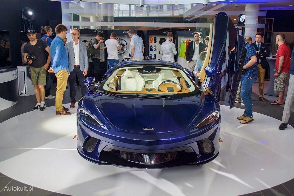 McLaren GT ma znacznie łagodniejszą stylistykę niż inne modele producenta