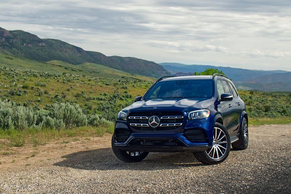 Mercedes GLS wygląda jak inne SUV-y z gwiazdą, tylko jest większy. Dużo większy.