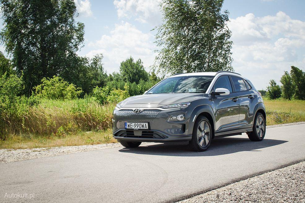 Elektryczny Hyundai Kona trochę przypomina teslę z wyglądu
