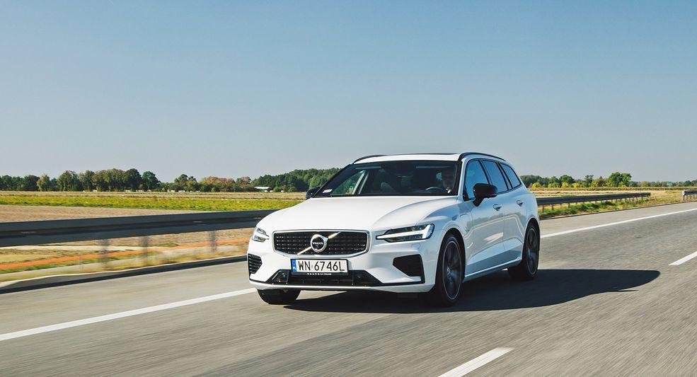 Volvo V60 T8 to niezła kombinacja cech samochodu kombi i sportowego, a do tego stworzonego z myślą o niskim zużyciu paliwa.