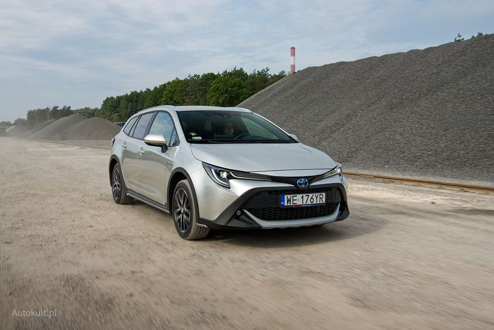 Toyota Corolla Trek ma wyższy prześwit niż standardowa odmiana