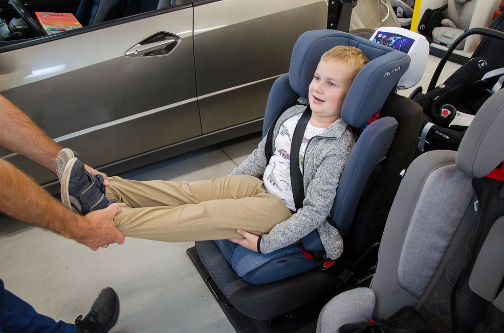 Jeden z najważniejszych testów fotelika samochodowego. Jeśli wynik nie będzie pozytywny, fotelik może stanowić zagrożenie.