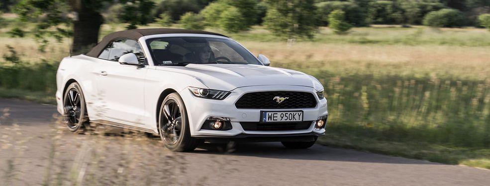 Otwarte nadwozie wersji Convertible nie zaburza klasycznej, wulgarnej linii Mustanga.