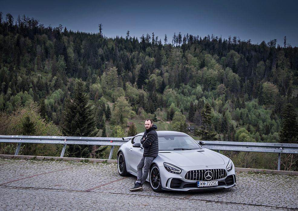 Mercedes-AMG GT R na Przełęczy Salmopolskiej (fot. Mateusz Żuchowski)