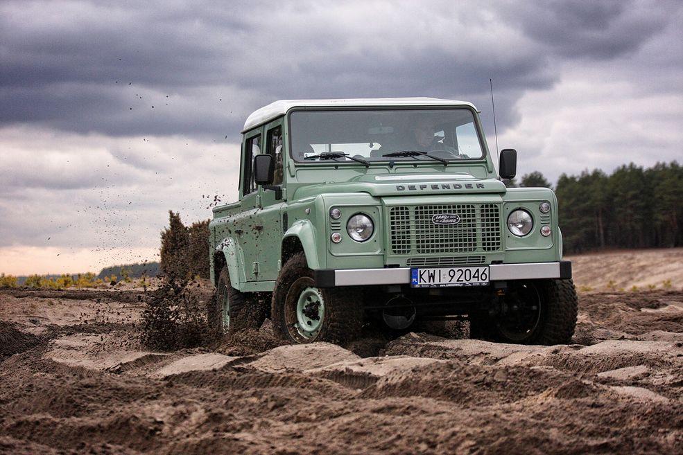 Land Rover Defender 110 Pick-Up od Defender Factory (2020) (fot. Arkadiusz Kwiecień)