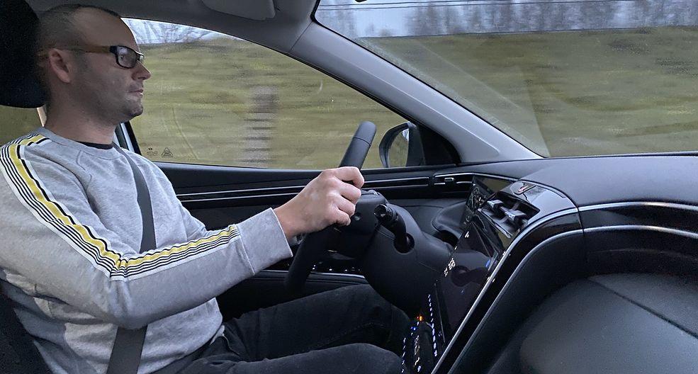 Nowy Hyundai Tucson zmienia jedno względem poprzednika - jest znacznie przyjemniejszy w czasie jazdy.