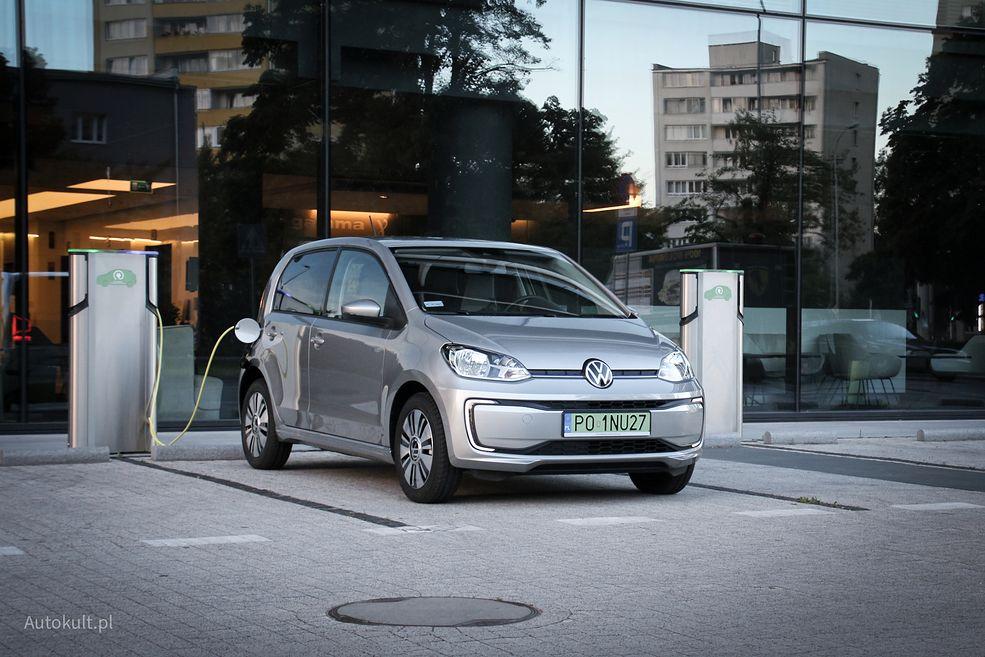 Volkswagen up! może być opcjonalnie wyposażony w złącze szybkiego ładowania CCS