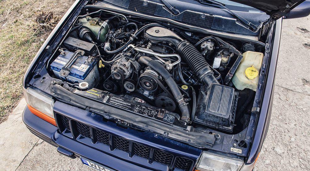 Prawie 6-litrowy silnik daje mnóstwo frajdy z jazdy samym faktem, że jest duży.