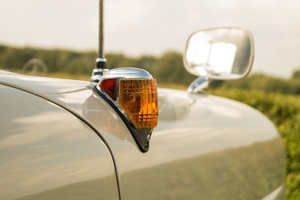 Kierunkowskaz odpowiada za niezwykle ważną komunikację pomiędzy użytkownikami ruchu drogowego.