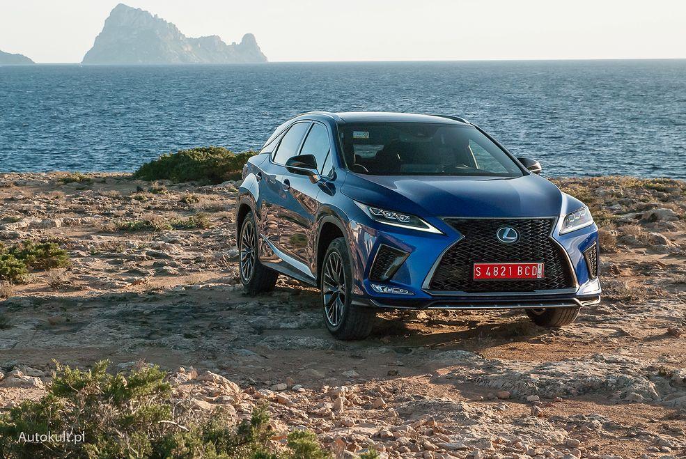 Lexus RX otrzymał m.in. nowe wykończenie grilla
