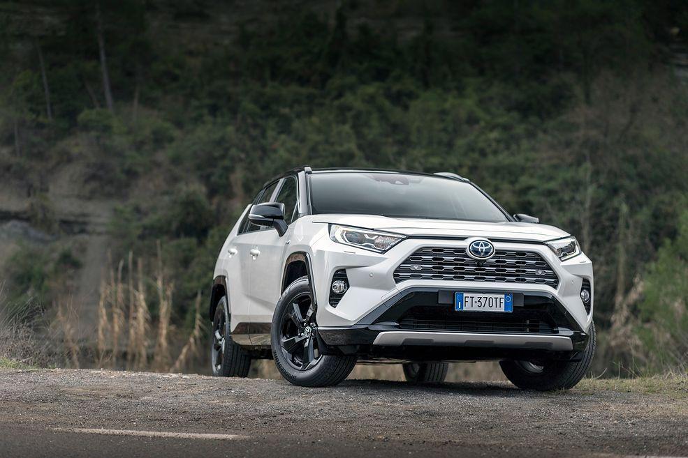 Toyota RAV4 I-AWD Hybrid (2019) (fot. Mateusz Żuchowski)