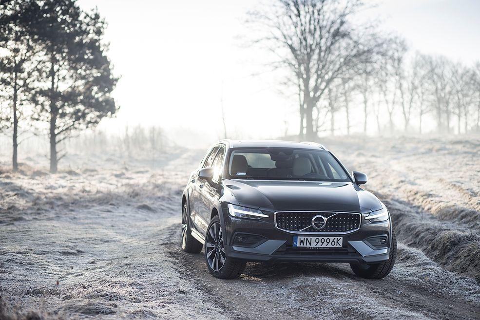Volvo V60 Cross Country D4 (2019) (fot. Mateusz Żuchowski)