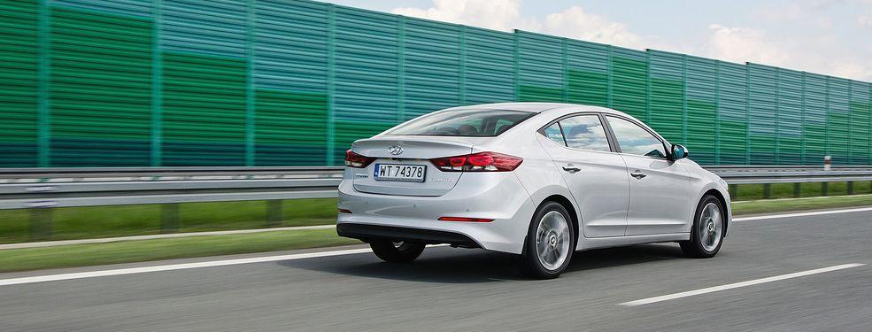 Chwalebne Nowy Hyundai Elantra 1.6 MPI (2016) - test, opinia, spalanie, cena YE94