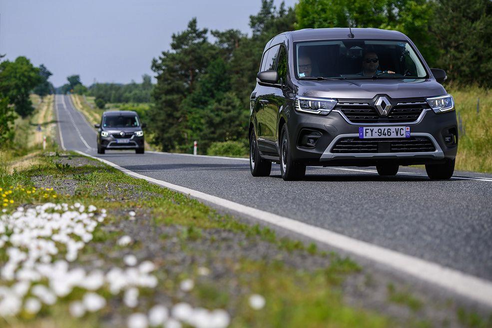 """Renault Kangoo dostępne będzie też w """"zwykłej"""" wersji, ze słupkiem B."""