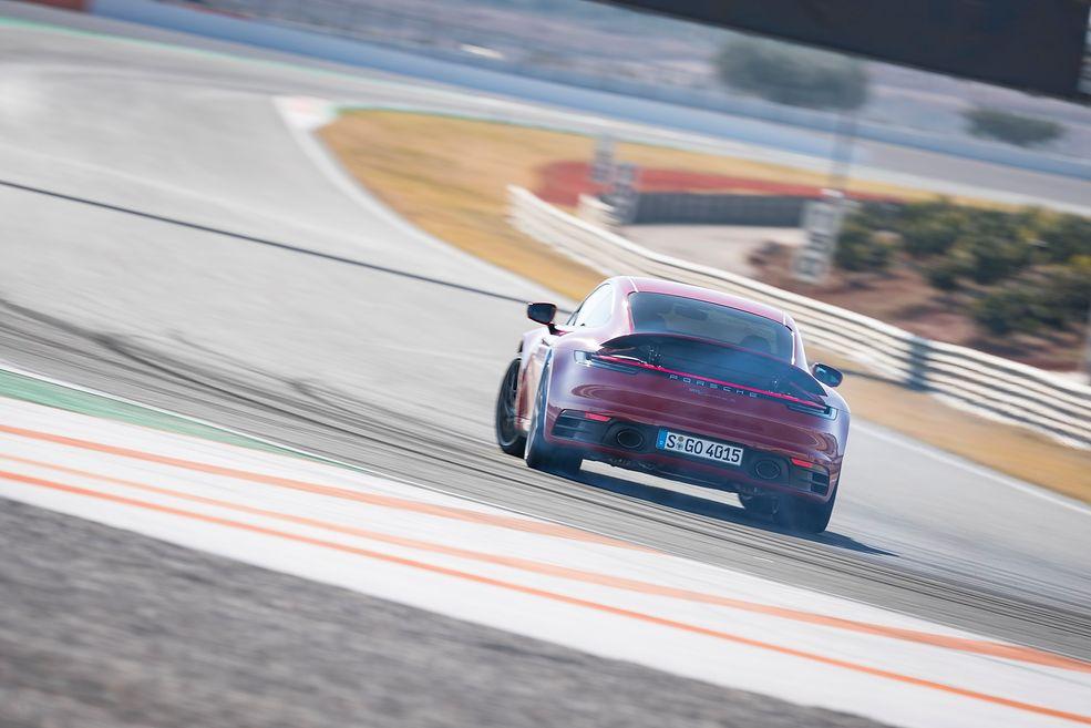 Porsche 911 Carrera S 992 (2019) (fot. Porsche)