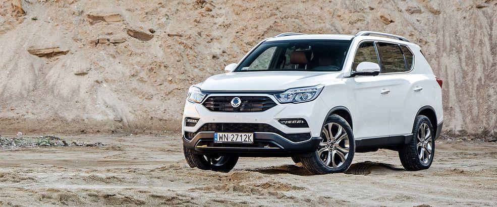 SsangYong Rexton jest ciekawą mieszanką samochodu terenowego i SUV-a