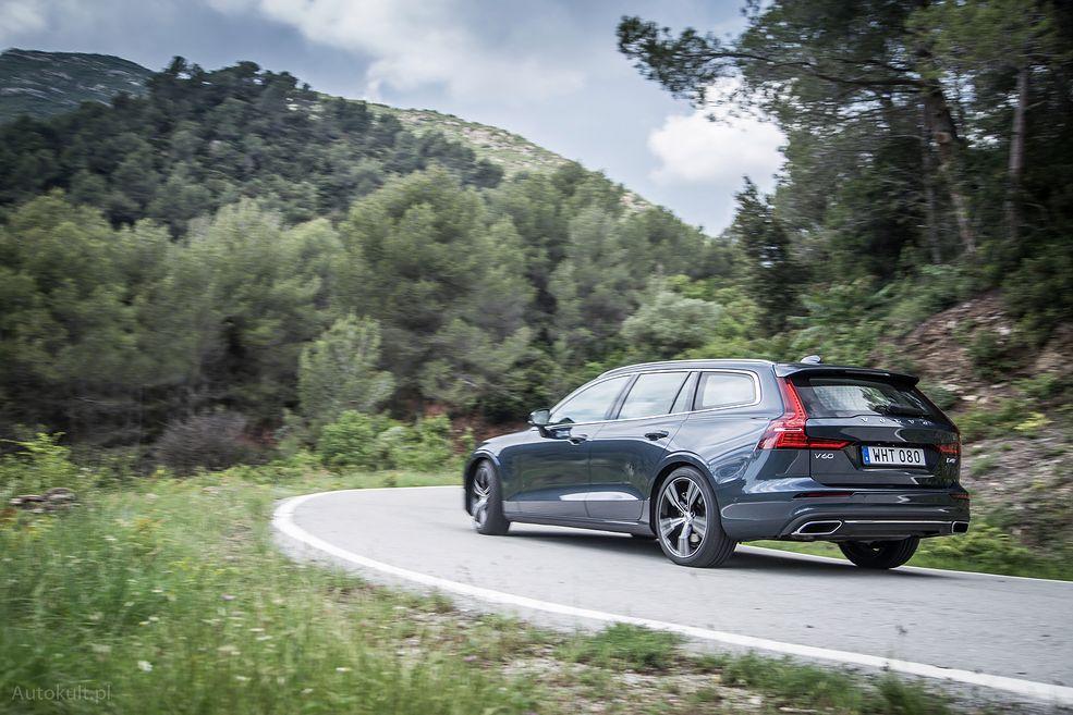 Na pierwszy rzut oka można go pomylić z Volvo V90. Fakt ten przynosi jednak więcej zalet niż wad. (fot. Mateusz Żuchowski)