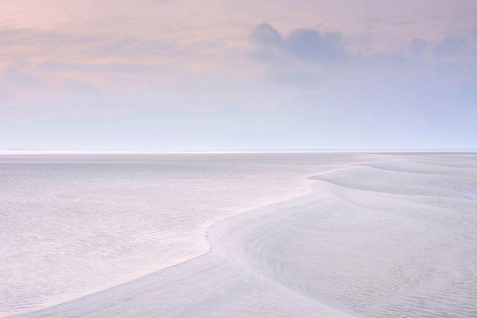 Take a View – Landscape Photographer od the Year to konkurs, który dedykowany jest wszystkim fotografom wywodzącym się z Wielkiej Brytanii – bez względu na to, gdzie są obecnie. W 11. edycji konkursu pula nagród wynosiła 17 tysięcy funtów. 10 tysięcy z tego trafiło w ręce Benjamina Grahama, jako Fotografa Roku.
