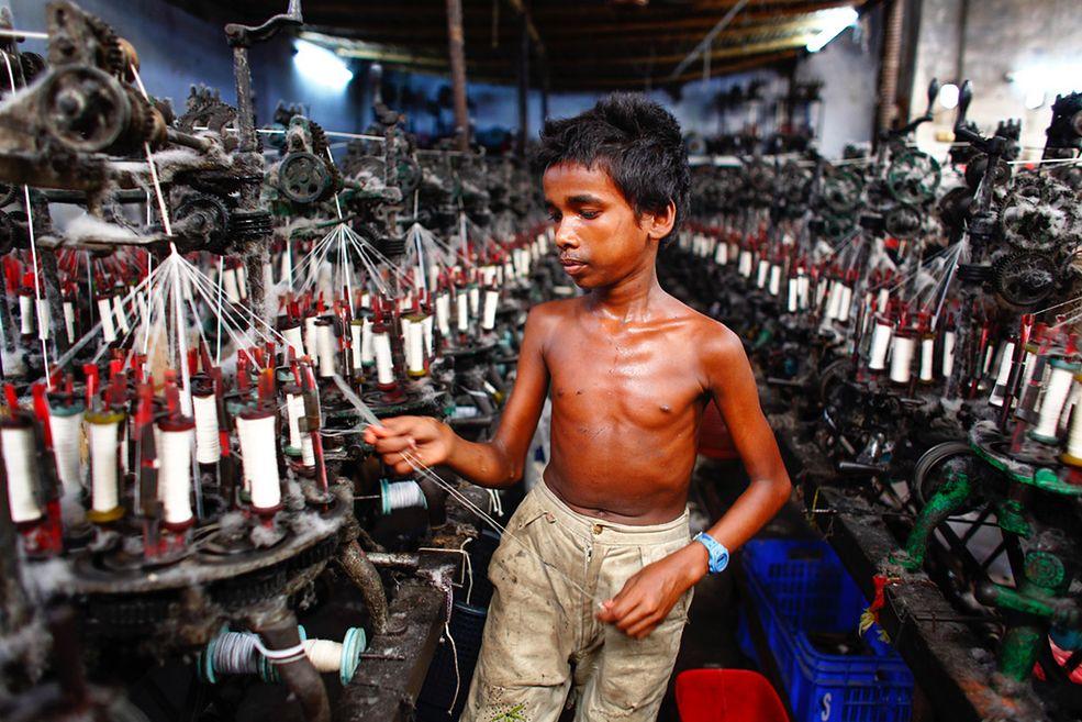Zwycięzcą Grand Prix pierwszej edycji konkursu Neutral Density Awards 2014 został GMB Akash, fotoreporter z Bangladeszu. Nagrodzona seria zdjęć przedstawia dzieci pracujące w niewolniczych warunkach w fabrykach na Dalekim Wschodzie. Główna nagroda to tytuł ND Photographer of the Year 2014 oraz 2500 dolarów.