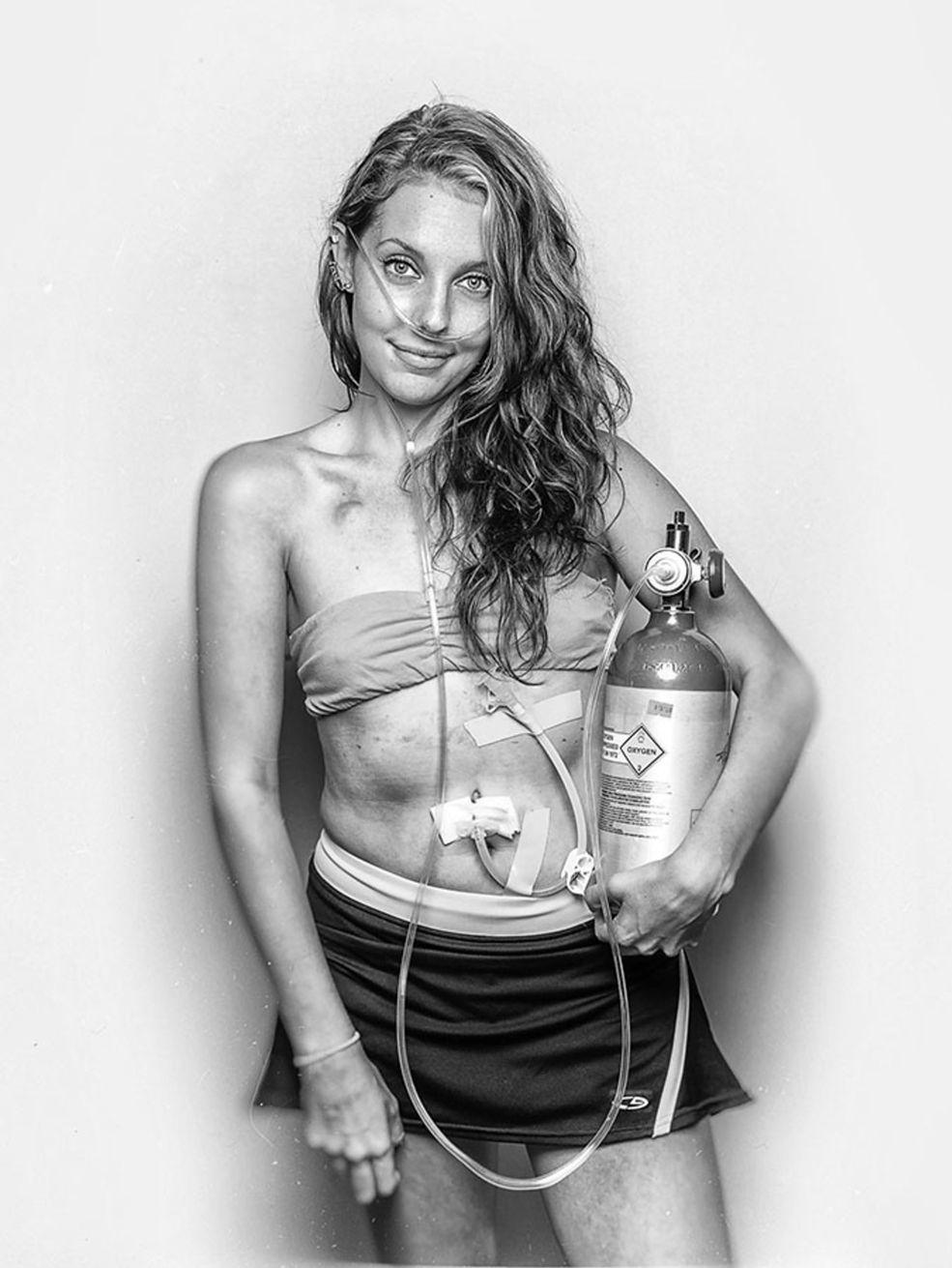 To już czwarte edycja konkursu Monochrom Photography Awards. Jury konkursu dopuszcza w nim tylko zdjęcia czarno-białe – bez tego ani rusz. Fotografowie zmagają się naprawdę w dwóch konkursach – profesjonalnym oraz amatorskim.
