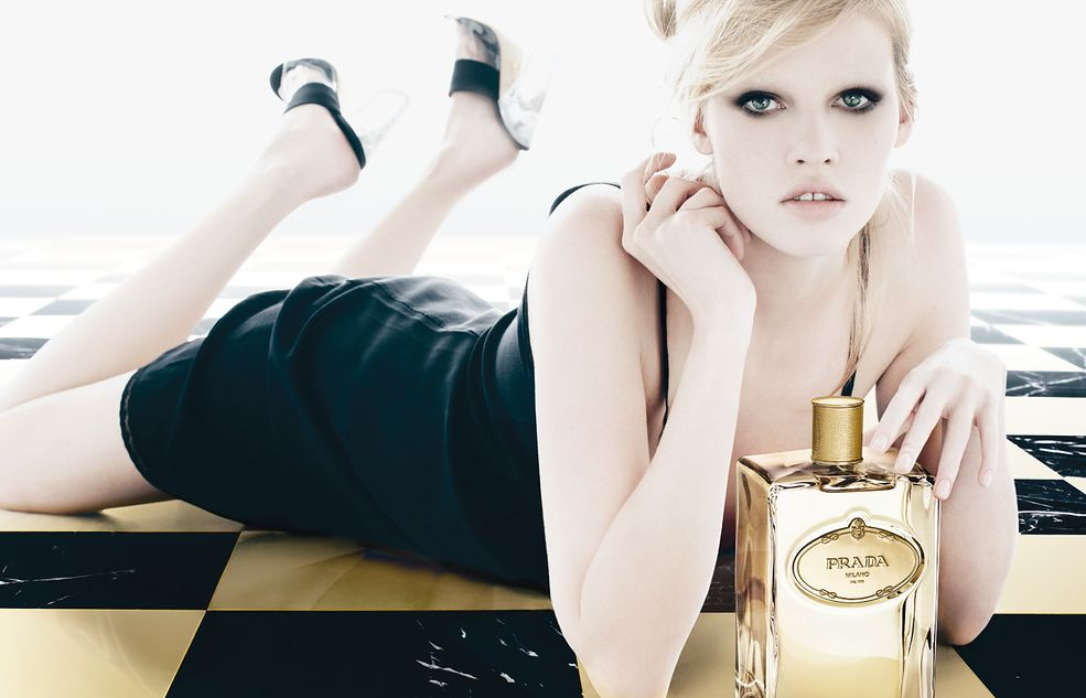 Miejsce 10 - Lara Stone Reklama perfum marki Prada, fot. Jenny Van Sommers
