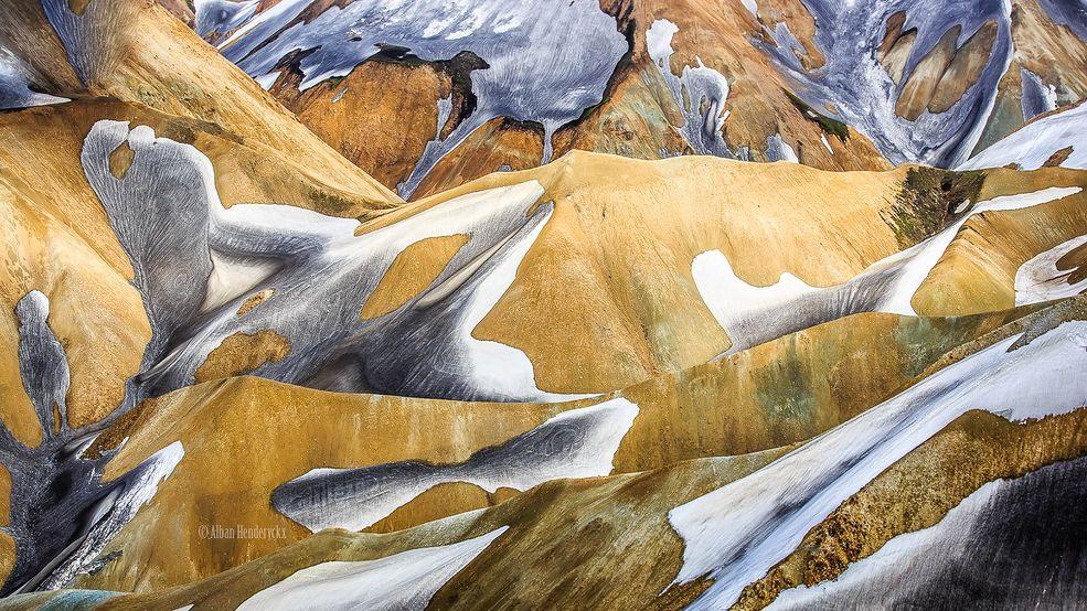 Alban Henderyckx specjalizuje się w fotografii krajobrazu. Uwielbia Islandię, gdzie wykonuje większość swoich zdjęć. Organizuje tam też warsztaty fotograficzne.