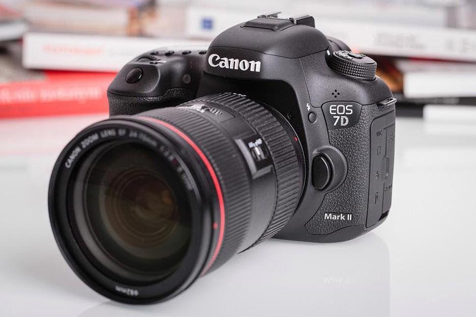 Nowy flagowy aparat Canona może się pojawić już niedługo.