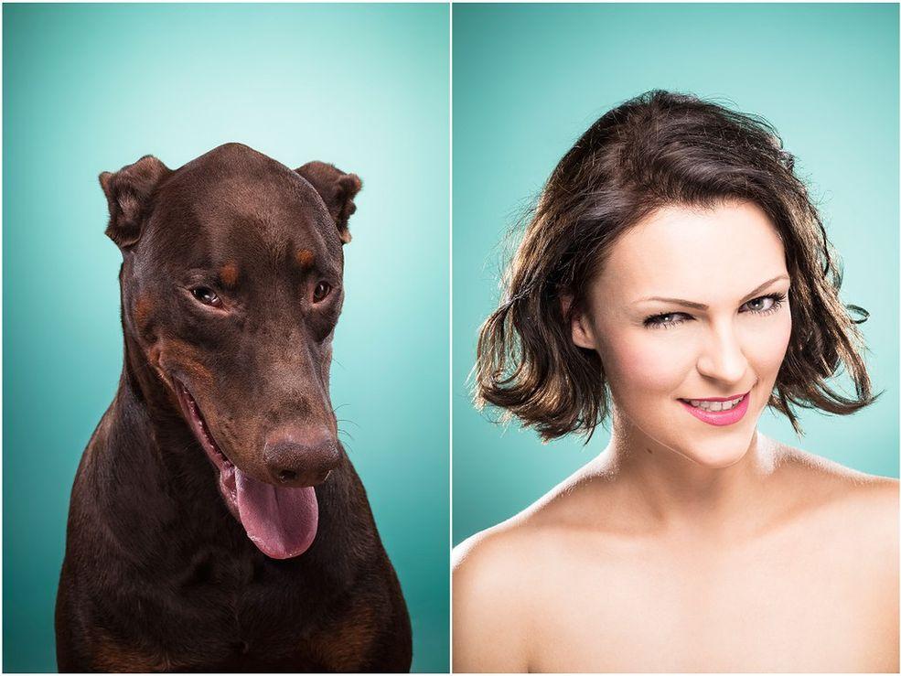 """Ines Opifanti to fotografka freelancerka z Hamburga w Niemczech. Specjalizuje się przede wszystkim w fotografii portretowej i reklamowej. Więcej zdjęć z cyklu """"The Dog People"""" możecie obejrzeć , gdzie dostępne są też inne interesujące portrety ludzi i zwierząt."""