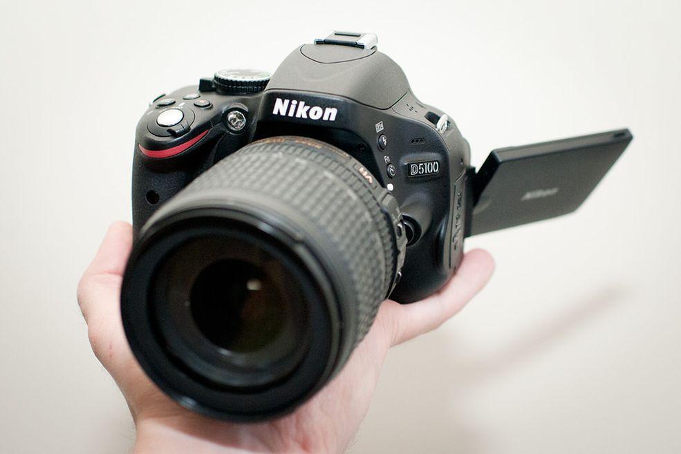 Nikon D5100 Nowy mechanizm odchylania ekranu