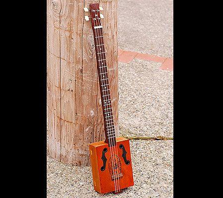 Oryginał Takich gitar jeszcze nie widzieliście! | Gadżetomania.pl OM99