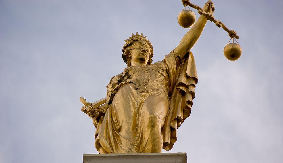 Pomnik Golden Lady Justice (Brugia, Belgia)