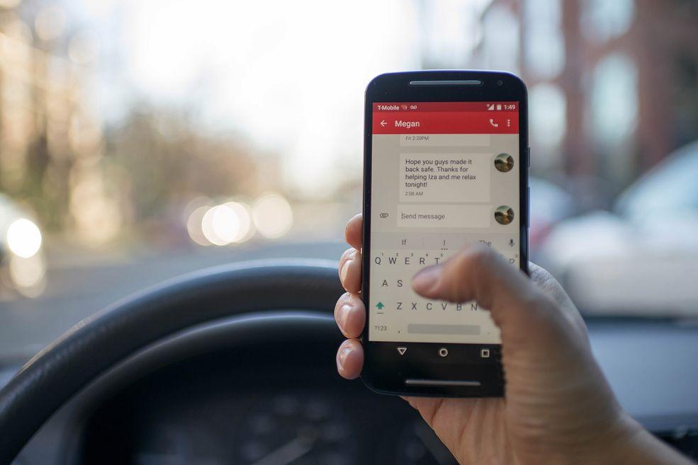 SMS-y to forma komunikacji, która po 25 latach wciąż cieszy się dużą popularnością