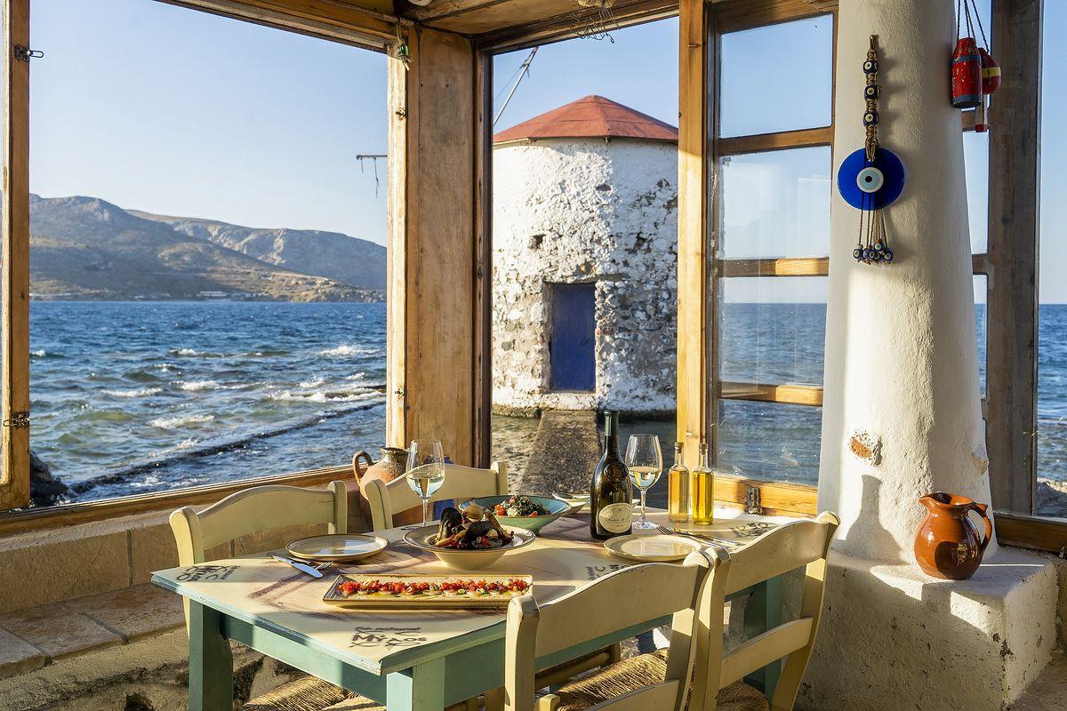 Grecja słynie z wyśmienitych win deserowych