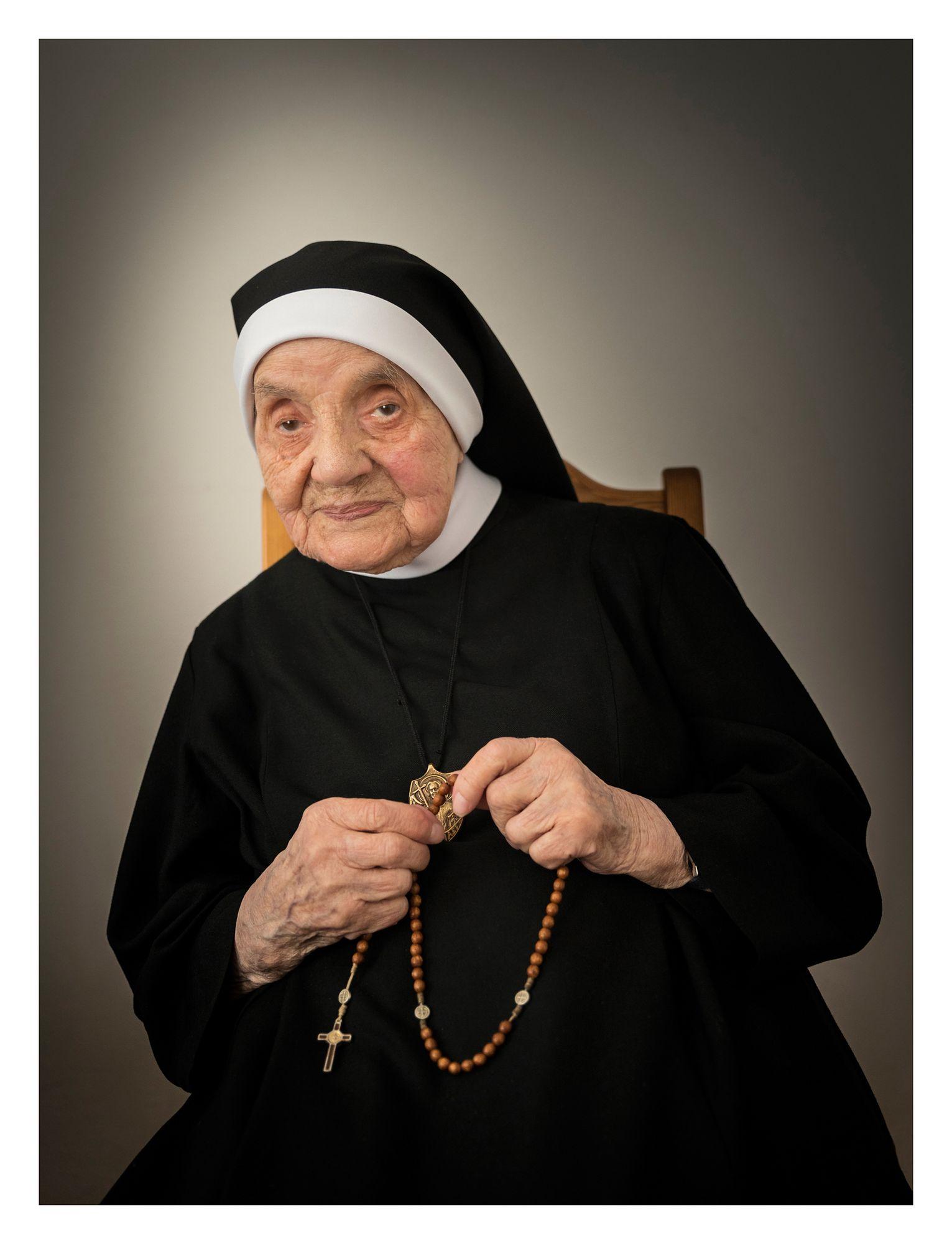 SIOSTRA GABRIELA (HELENA) SPORNIAK (107 lat) Miejsce Piastowe (woj. podkarpackie) – druga najstarsza zakonnica w Polsce.