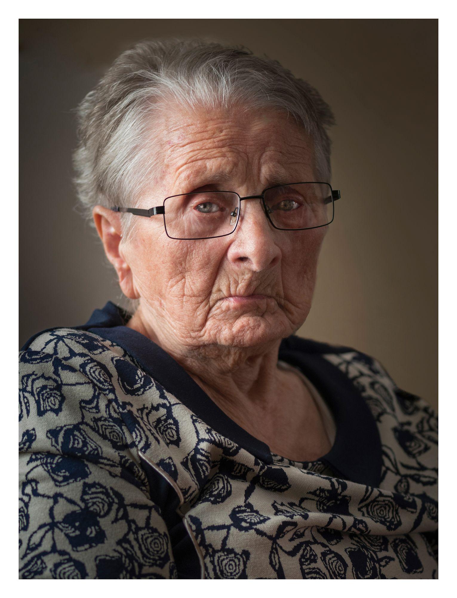 STANISŁAWA WIDERSKA (102 lata)  m. Grzmiąca (woj. zachodniopomorskie)