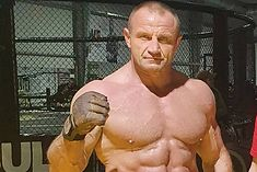 Mariusz Pudzianowski imponuje po treningu