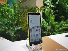 Telefon HiSense z kolorowym e-inkiem