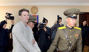 Arogancja Korei Północnej. Skatowali studenta, chcą 2 mln dol za opiekę nad nim