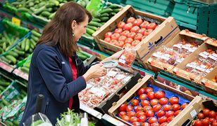 Wielka Sobota – sklepy nieobjęte zakazem handlu. Do której w Wielką Sobotę jest czynna Biedronka, Lidl, Carrefour i Tesco?