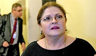 Krystyna Pawłowicz pisała o śmieciu na szyi. Bohater zdjęcia odpowiada posłance PiS