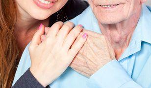 Nazywa się starsza kobieta umawiająca się z młodszym mężczyzną