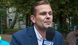 Ruszył proces dziennikarza TVP. Łukaszowi Sitkowi grozi rok więzienia