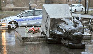 Oburzenie po zniszczeniu pomnika prałata